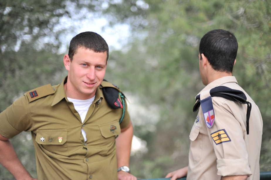 חיילים