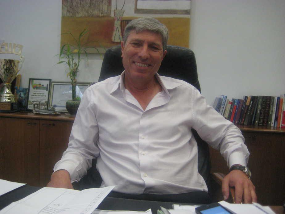 ראש עיריית קרית אתא, יעקב פרץ