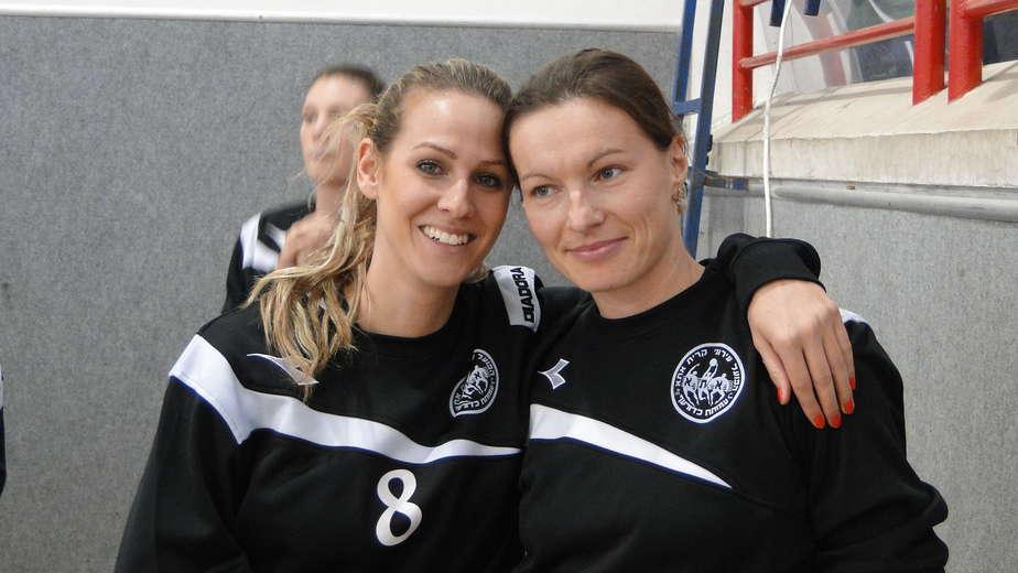מימין: אנה פלג ודנה טרטצקי