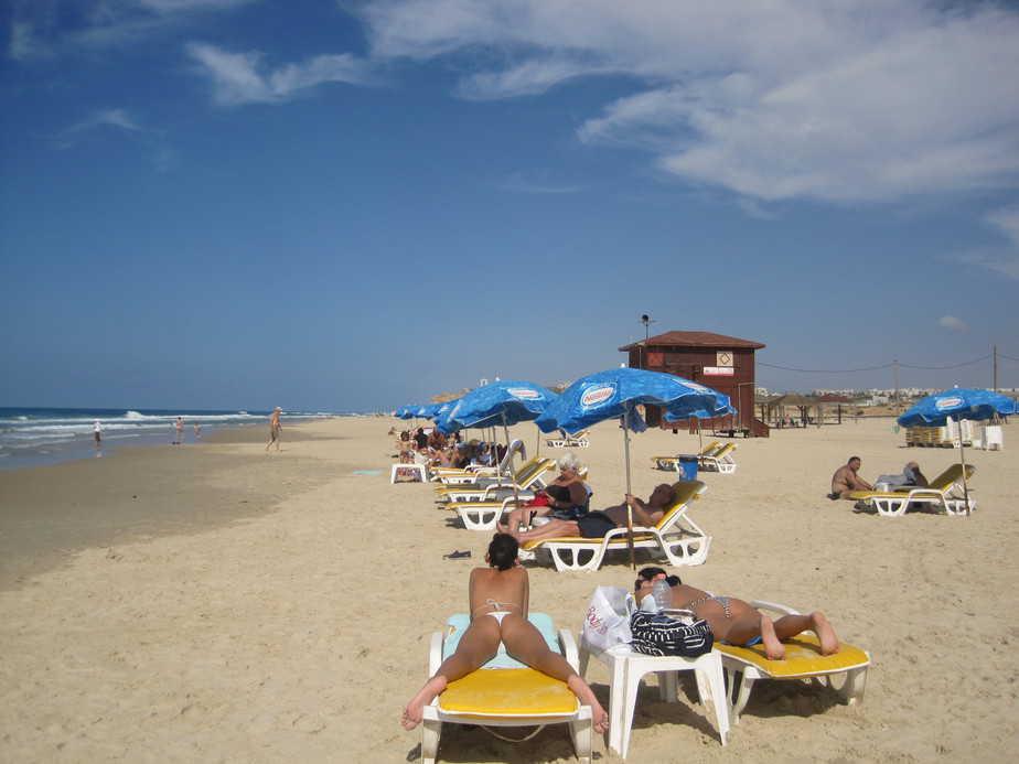 חוף פולג השבוע