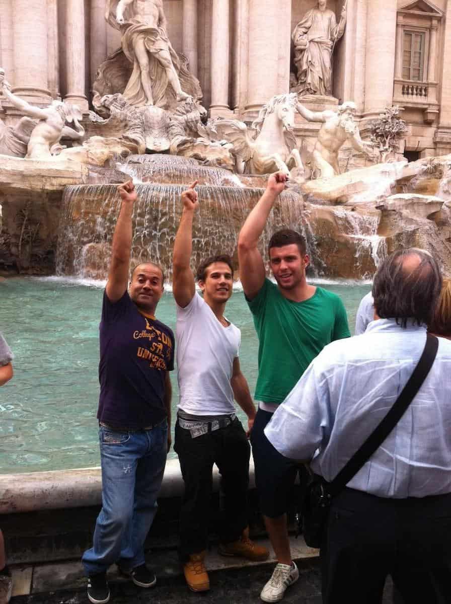 סמדג'ה והתלמידים נהנים ברומא