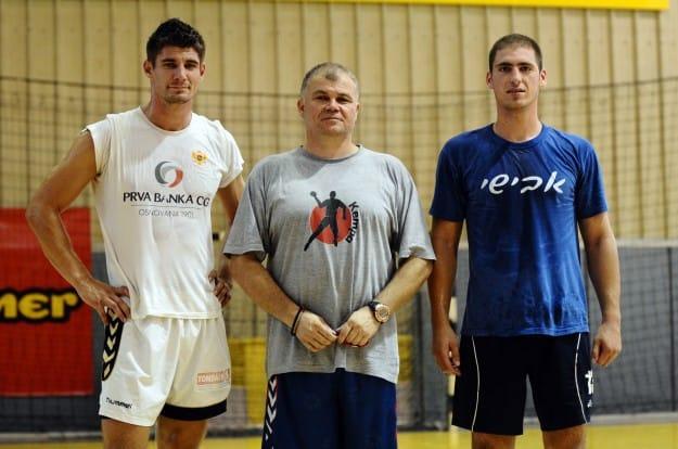 """הוכיחו יכולת גבוהה בת""""א. בוזליאק (משמאל) ורדוביץ'. עם המאמן מאטיץ'"""