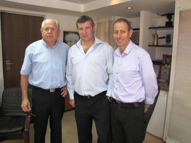 שמעון לנקרי, סטס מיסז'ניקוב וזאב נוימן