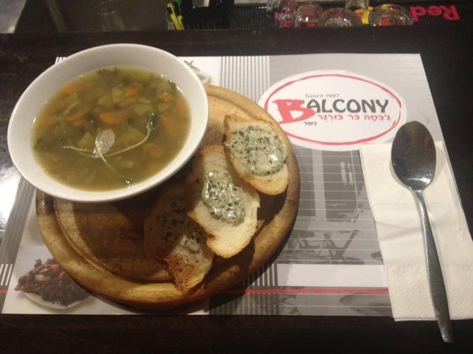 מרק עדשים של מסעדת בלקוני