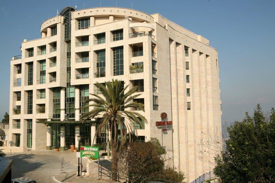 מלון קראון פלאזה (צילום: באדיבות מנו הולידייס)