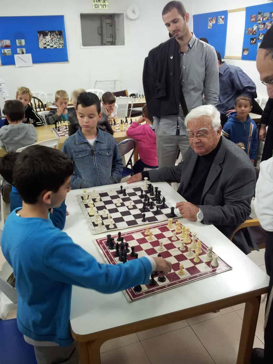 חיים צורי והילדים באליפות השחמט