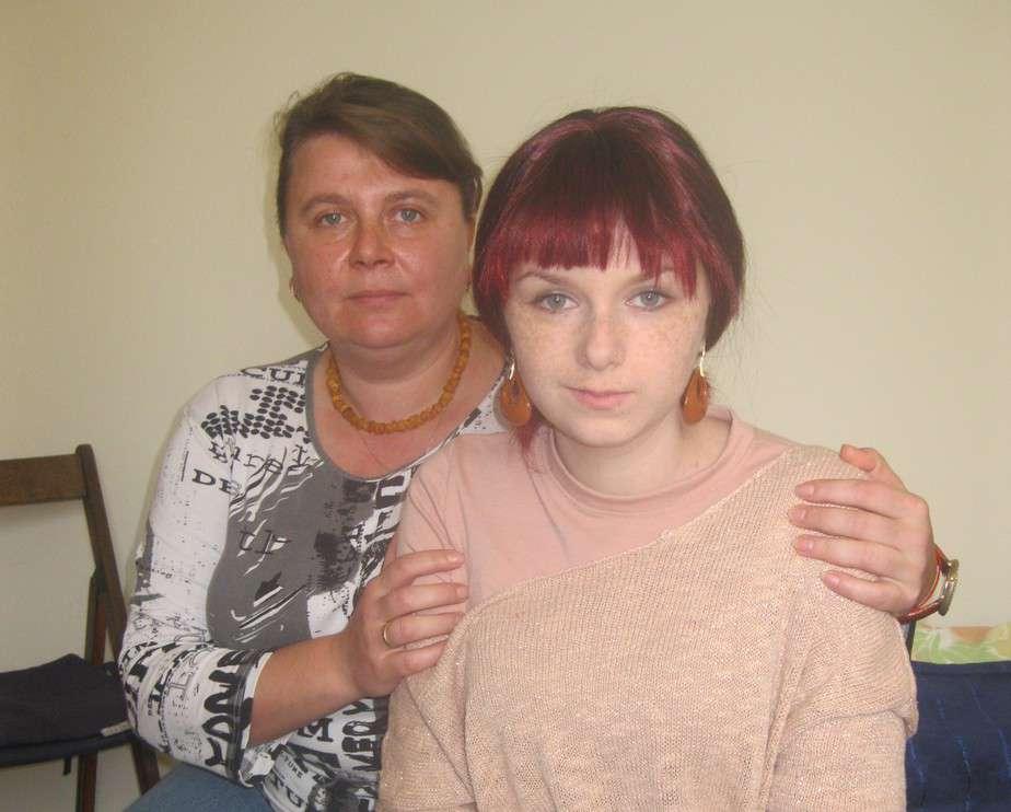זקוקה לתרומות בדחיפות. אנה פוליאנסקי ואמה מרינה  (צילום: איילת קדם)
