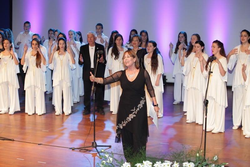 יום הולדת לרעיה שטראוס. עם מקהלת מורן והמנצחת נעמי פארן. (צילום: נגה שדמי ואן דה ריפ)