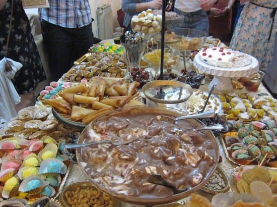 החג המתוק. שולחן מימונה (צילום: מיכל גילת)
