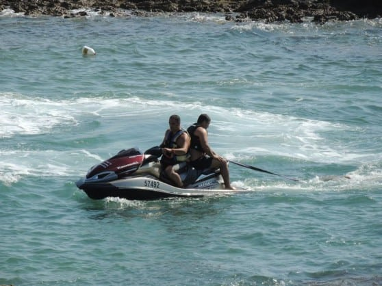 כוחות חילוץ בחוף אכזיב