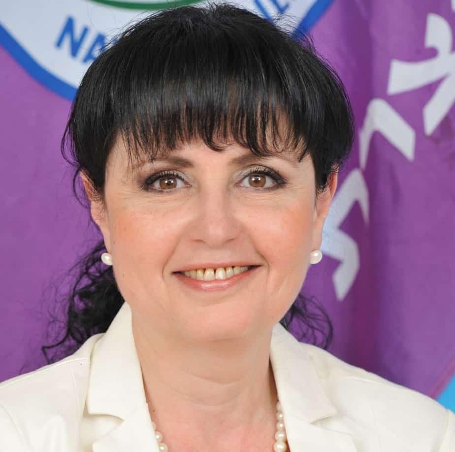 אלכסנדרה אדלר