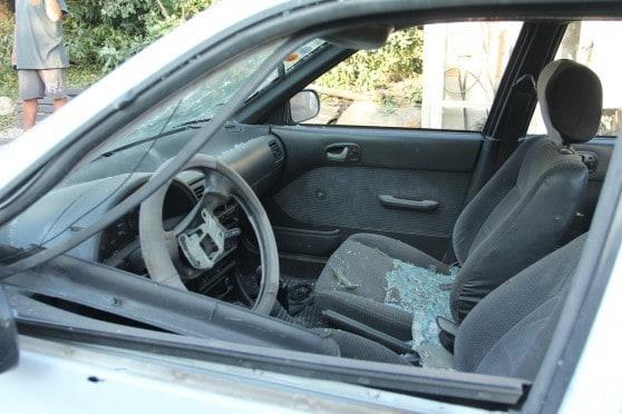 מכונית שספגה רסיסים בגשר הזיו