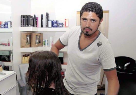 """""""מהיום שבחרתי לאתר תורמי שיער אני מרגיש שזה ממלא אותי"""" אדם בן הרוש (צילום: שלומי גבאי)"""