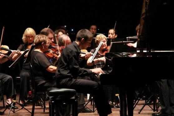 עופר סטולרוב על הפסנתר (צילום: עצמי)