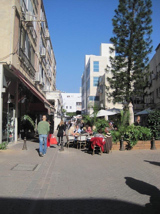 מדרחוב תל חי(צילום: רותי ברמן)