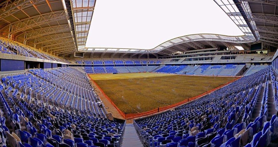 תמונה פנורמית של אצטדיון סמי עופר לאחר זריעת הדשא (צילום: צבי רוגר-עיריית חיפה)