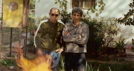אמנון (מימין) וגיורא בבית בחבצלת השרון (צילום: עצמי)