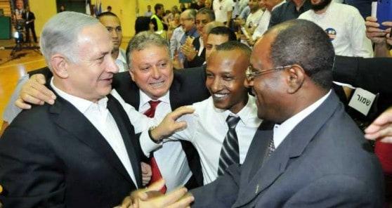 ראש העיר וראש הממשלה עם ראשי איחוד אחים (צילום: עיריית חדרה)