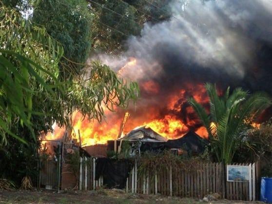 השריפה בקרית ביאליק (צילום: עידן מיוני)