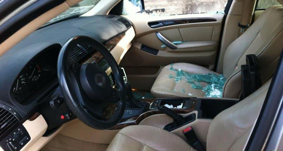 המכונית הפרוצה (צילום: עצמי)