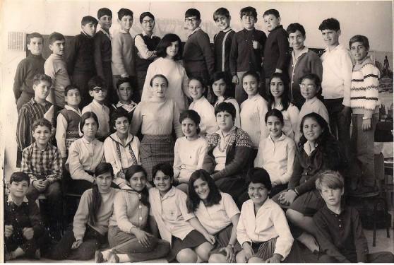 1972, מחזור ה', בית הספר בן צבי, עכו (צילום: חנות הצילום פוטו קולור, עכו)