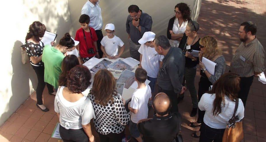 """ביקור ועדת הפרס בבית ספר """"אמירים"""" (צילומים: באדיבות בית ספר """"אמירים"""")"""