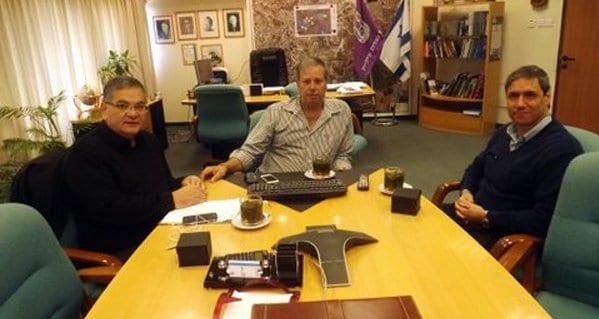 מירון, גפסו וברדה בפגישה (צילום: ישראל פרץ)