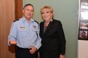 """ראש עיריית נתניה ומפכ""""ל המשטרה"""