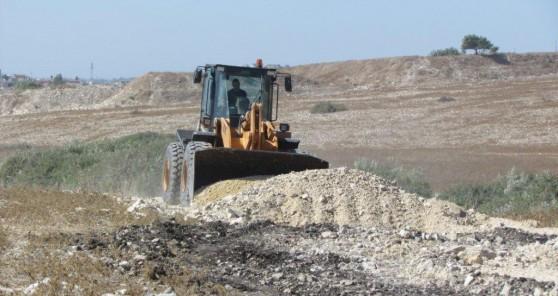 פינוי שטח (צילום: מנהל מקרקעי ישראל)