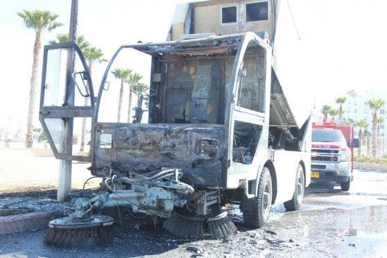 רכב טיאוט עלה באש בנהריה