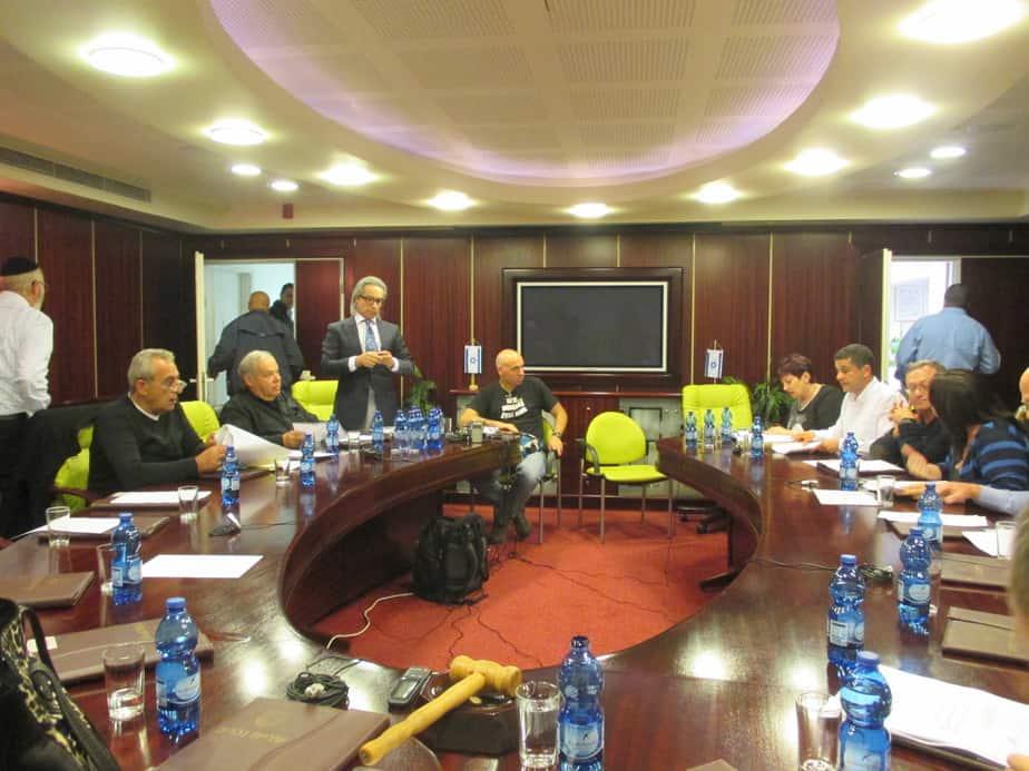 חברי מועצת העיר נהריה בסיום הישיבה
