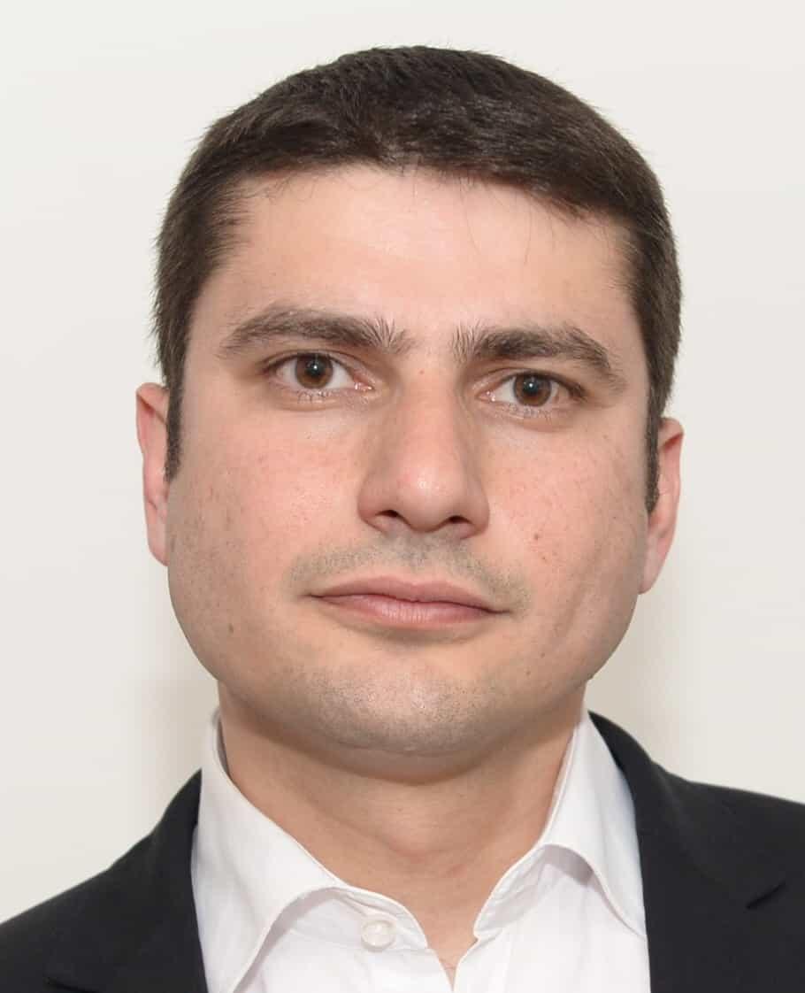 רומן מרדכייב