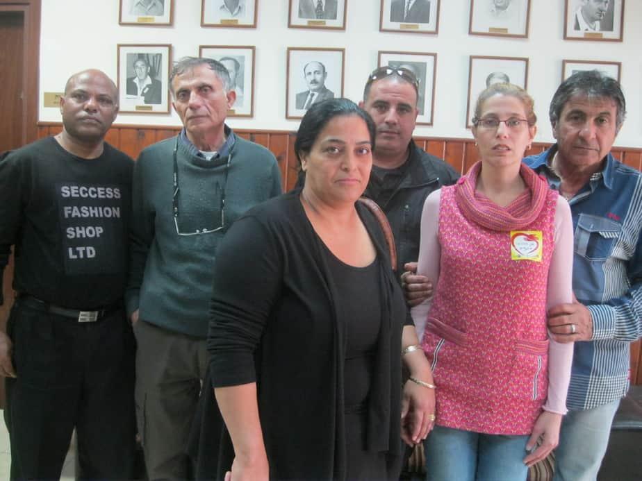 נציגי ועד העובדים בחדרה עם מזכיר ההסתדרות (מימין) עמרני. (צילום: איילת קדם)