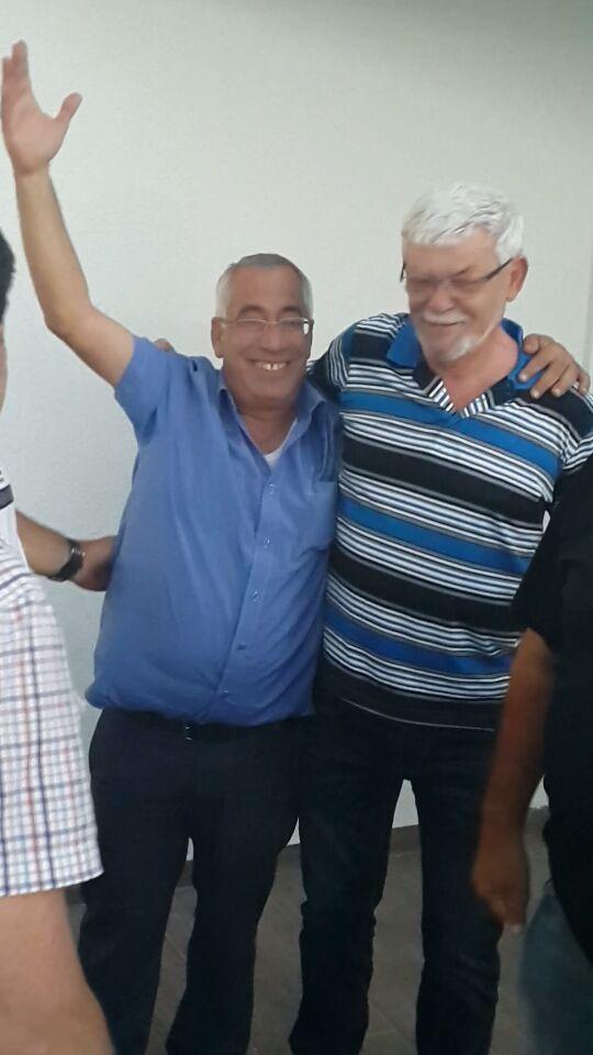 חיים בר (מימין) ורפי כהן לאחר הניצחון..