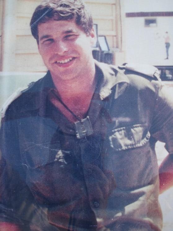 """ראו מרחוק שהוא איש צבא. אמיר מי-טל ז""""ל צילום: פרטי"""