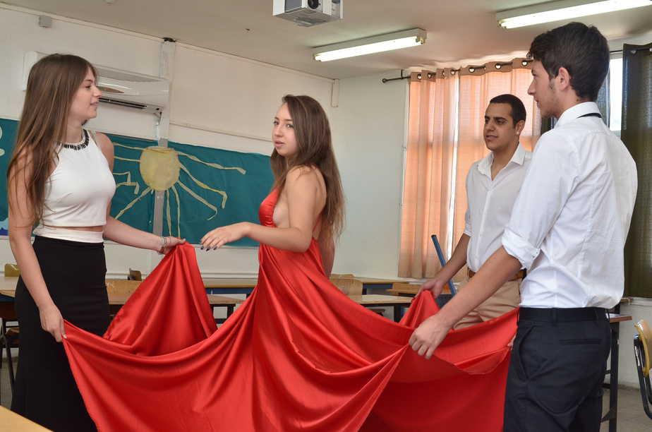 נשף בתיכון קרית חיים (צילום: אושרי כהן)