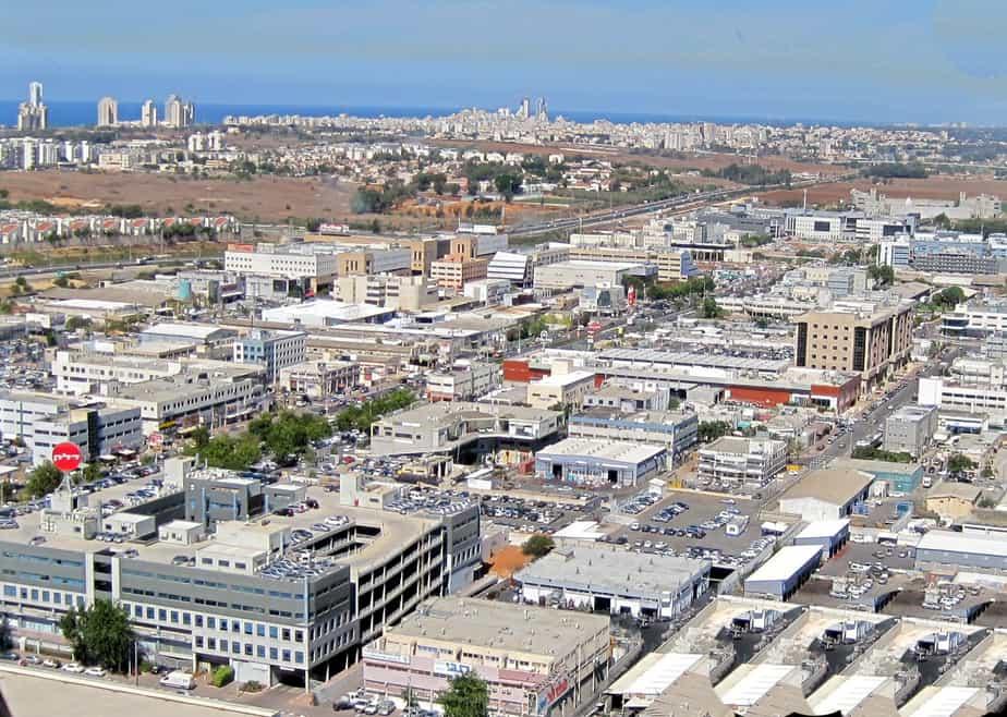 אזור התעשייה פולג (צילום רותי ברמן)