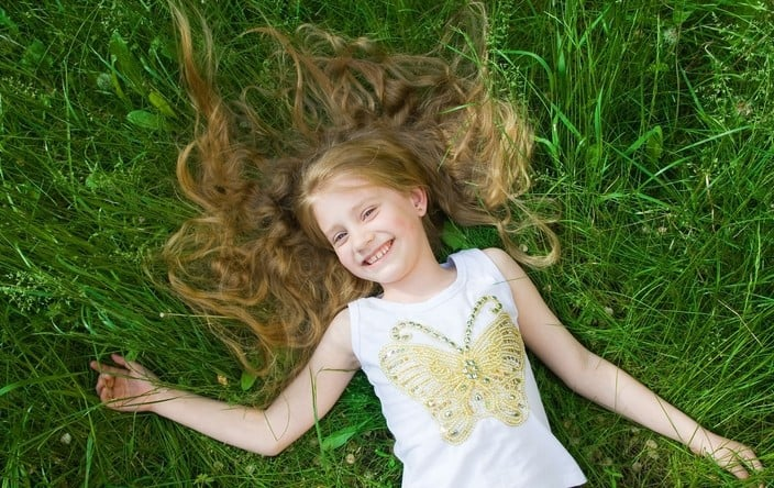 הראש נקי, הילדה מאושרת. וגם אמא (צילום אילוסטרציה: פנתרמדיה)