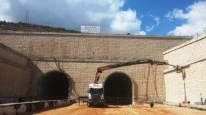 בניית תחנת הרכבת (צילום: יעל שביט)