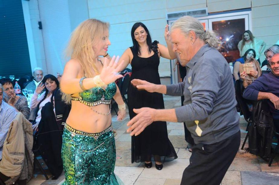 גם לרקוד הוא יודע (צילום: המגנט הנוצץ ברק גואטה)