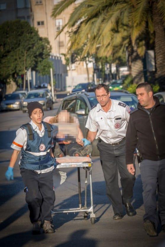 פיגוע דקירה בתל אביב  (צילום: אסי דבילנסקי)