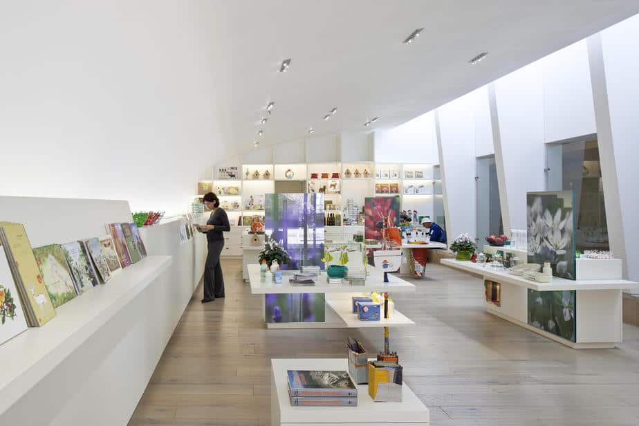 """שילוב של עיצוב וערכי סביבה. החנות במרכז המבקרים ירוק (צילום: יח""""צ)"""