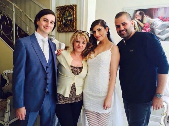 הזוג גהאן עם מעצב השיער דודו ביטון ומעצבת השמלה אלה פייקין  (צילום: סלון דואט)