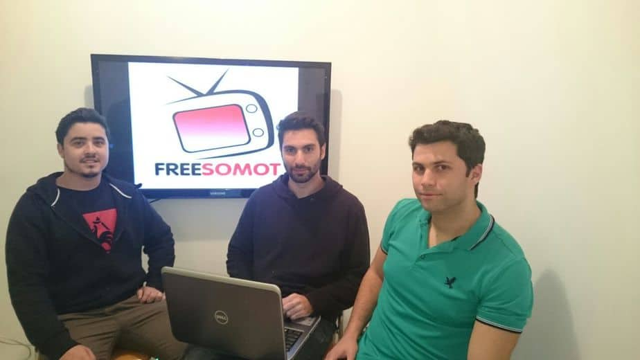מפתחי האפליקציה Freesomot. נתנאל ממן, איתי משען ואופק רון (צילום באדיבותם)