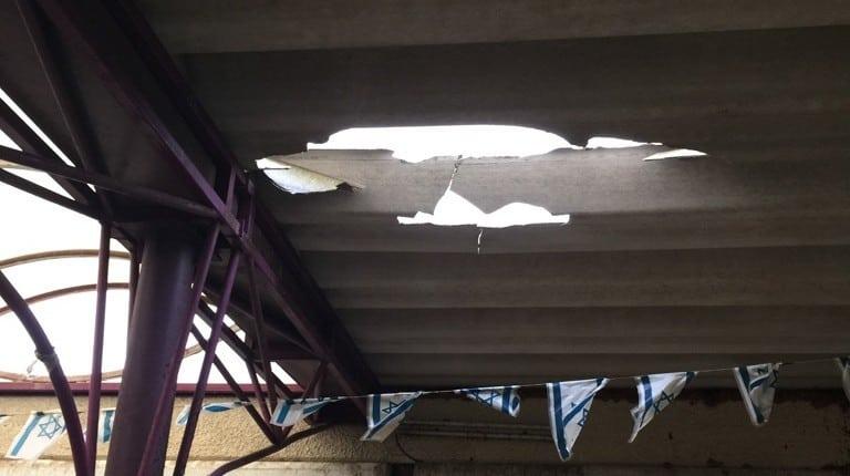 גג האסבסט (צילום עצמי)