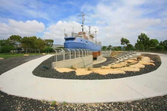 ספינת מעפילים, מחנה עתלית (צילום: חן ליאופולד)