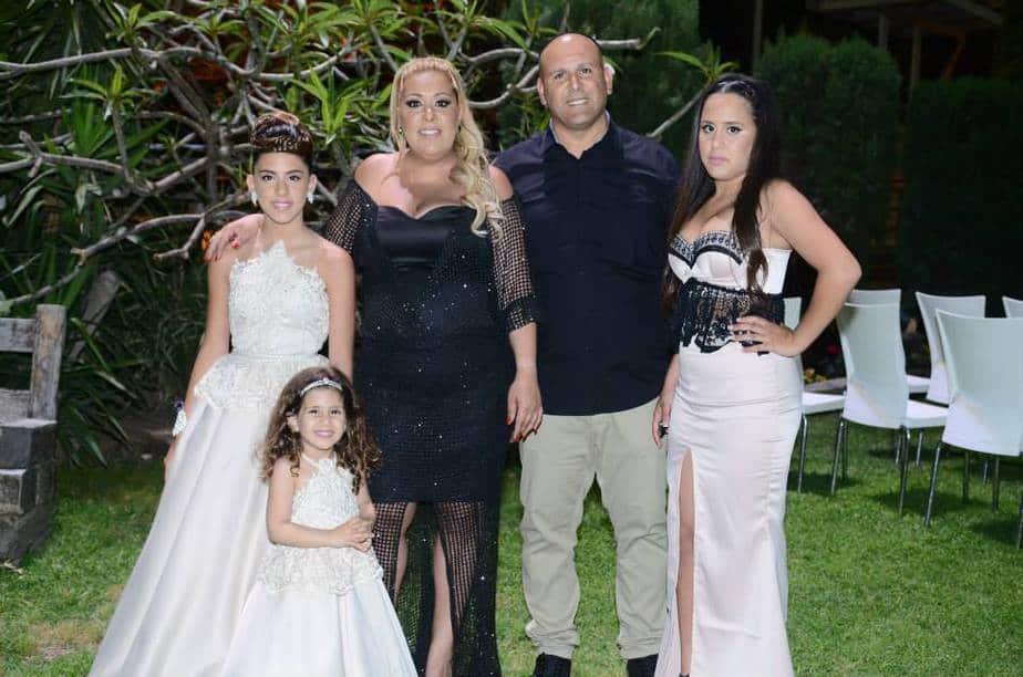 משפחת נעים חוגגת ללורן (צילום: המגנט הנוצץ)