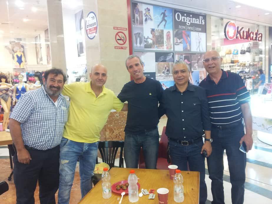 """פגש פסגה. ח""""כ אליעזר שטרן, משה אלול, יעקב דהן, אבי אלול וחבר צילום: עצמי"""