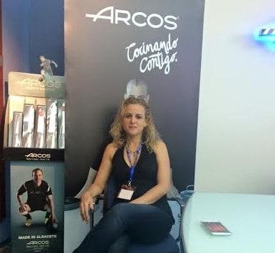 טלי שני מממלכת האופים במפעל של חברת ARCOS (צילום: עצמי)