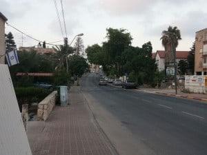 רחוב הרצל קרית אתא  (צילום: נטע פלג)